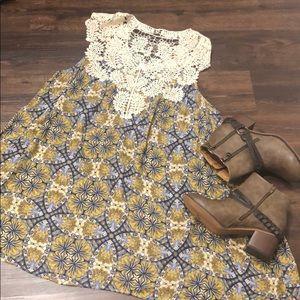 Super cute UMGEE small dress